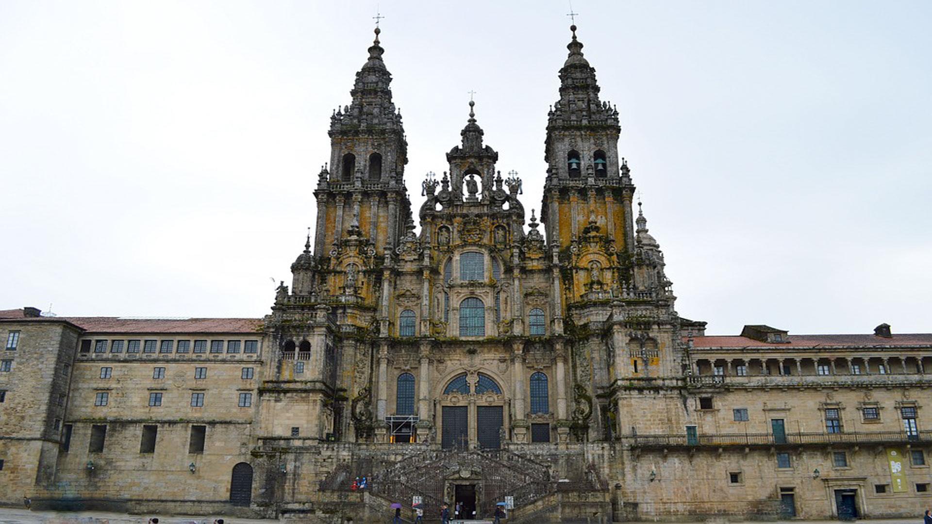 Catedral de santiago la m s visitada de espa a albergue a pedra - Santiago de compostela arquitectura ...