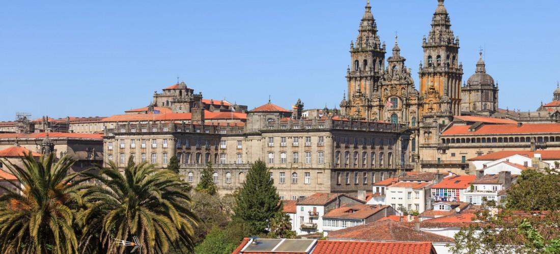 Santiago de Compostela, ciudad de muchas condecoraciones